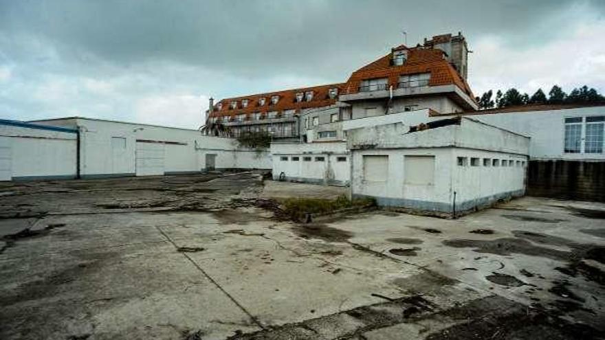 Otra propiedad de Alfageme en estado de abandono en Ribadumia