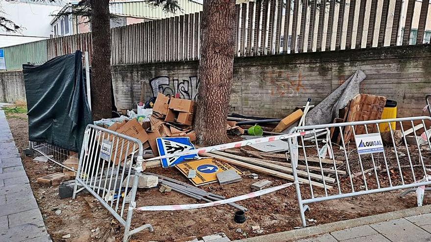 El PP exige de nuevo limpiar la zona del parque Ramón Barba