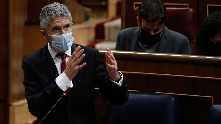 Marlaska trata de bloquear el plan de desvíos de migrantes a la Península