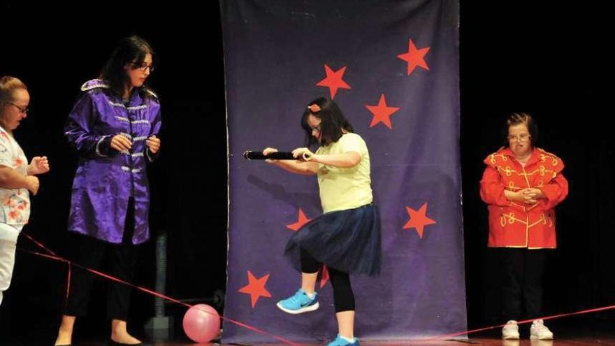 """Con Eles organiza un teatro circense para abrir el """"Festaclown"""""""