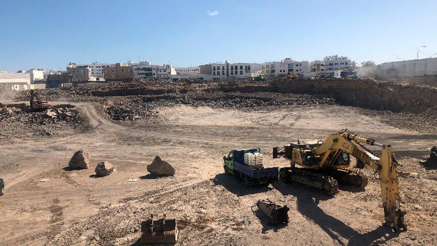 Arrecife concede la licencia al nuevo centro comercial en el solar de Garavilla