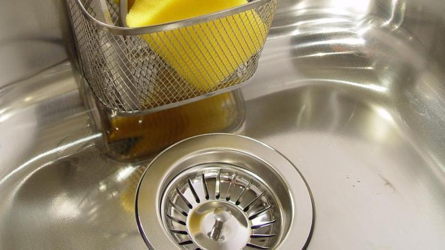 Consejos para limpiar el desagüe del fregadero para no tener atascos