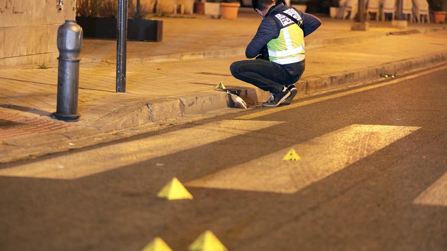 Un herido de bala y dos familiares suyos arrestados en Granada