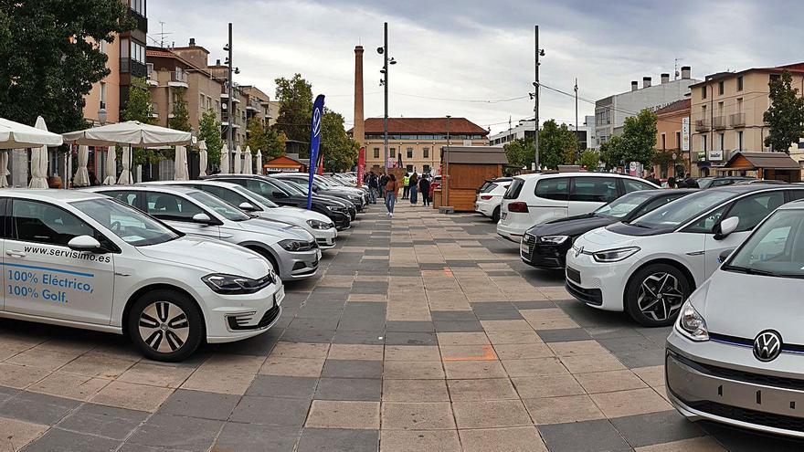 La mostra acull vehicles nous de 21 marques