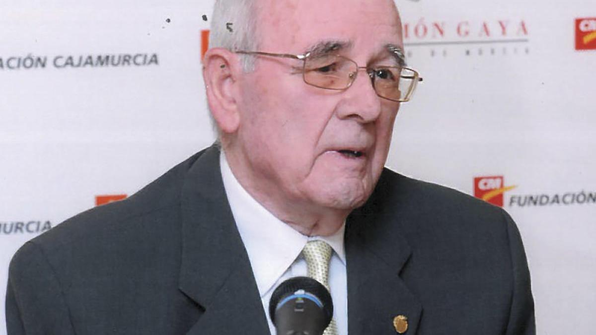 El poeta Salvador Sandoval muere a los 92 años