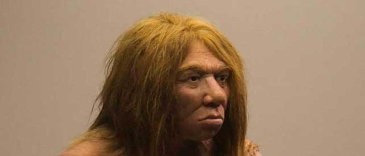 Recreación de una mujer neandertal en el Museo Arqueológico de Asturias.
