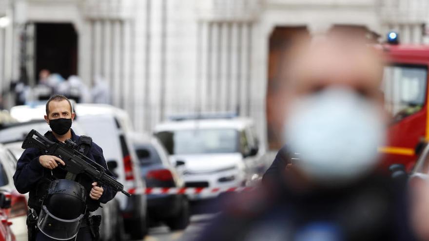 Francia eleva el nivel de vigilancia terrorista