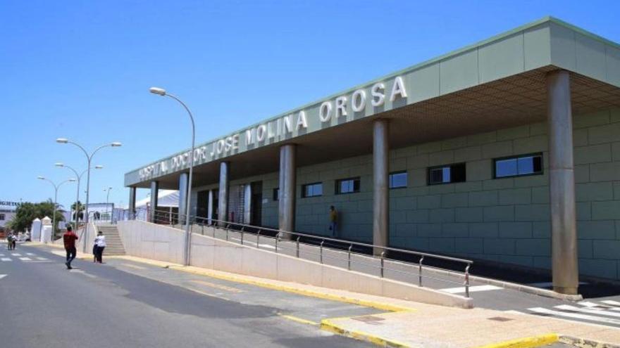 Un hombre crítico tras sufrir un ahogamiento en una piscina de Lanzarote