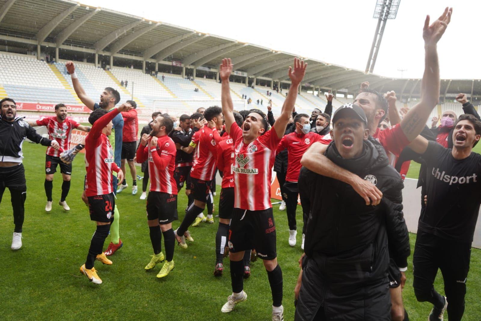 GALERÍA | Así celebra el Zamora CF su entrada en el play off de ascenso
