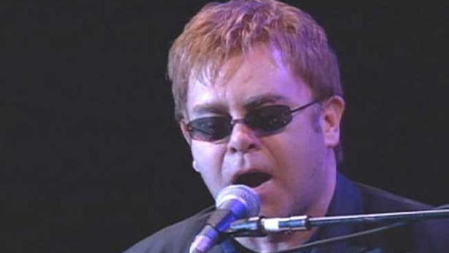 Elton John se suma al cartel del nuevo festival Ibiza 123
