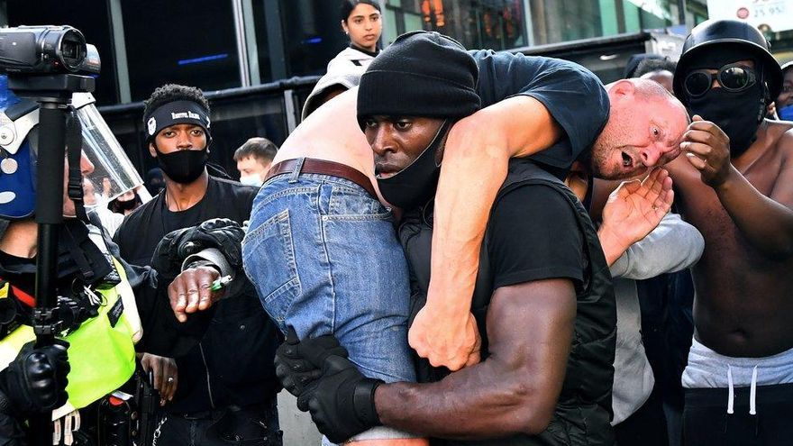 Bry Malle, el hooligan al que el héroe antirracista salvó la vida