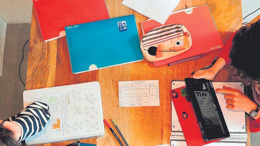 Los padres exigen mejoras en la enseñanza online para que se evalúe el curso entero