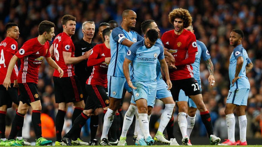 El Manchester United empata sin goles en un pobre derbi