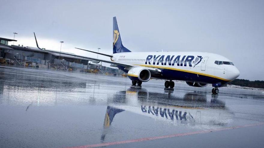 """Verbraucherschützer: """"Ryanair-Gepäckregeln verstoßen gegen Luftfahrtgesetz"""""""