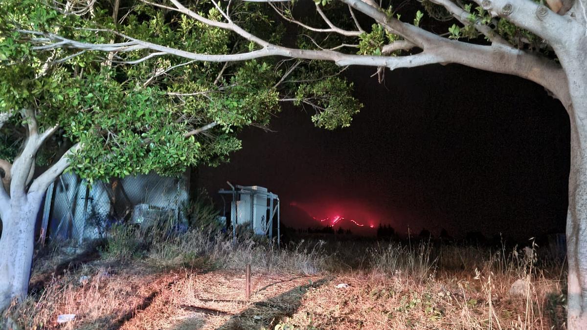 Zona desalojada de vecinos de Estepona esta noche de viernes.