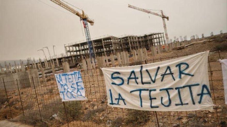 'Salvar La Tejita' seguirá por vía legal su oposición a la construcción del hotel