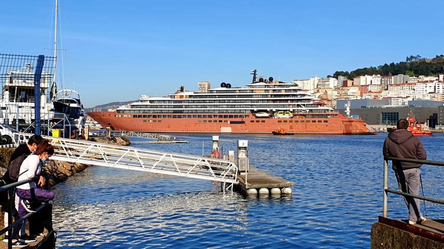 """El """"Evrima"""" abandona Barreras y pone rumbo hacia Santander"""