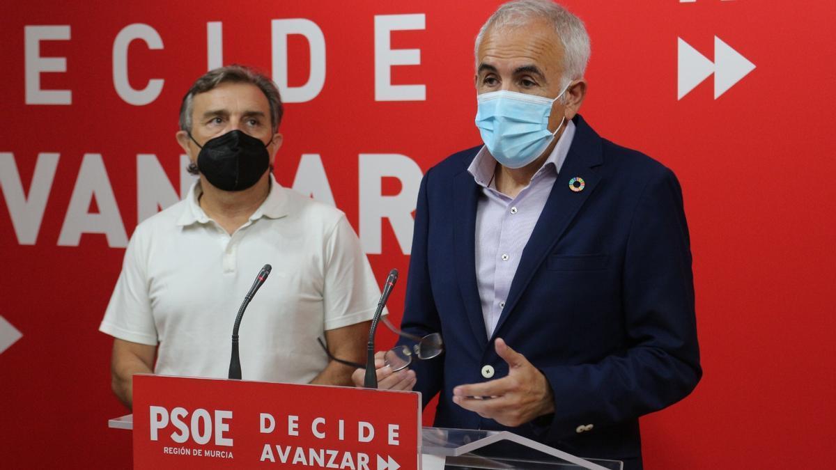 Alfonso Martínez Baños (d) y José Enrique Gil.
