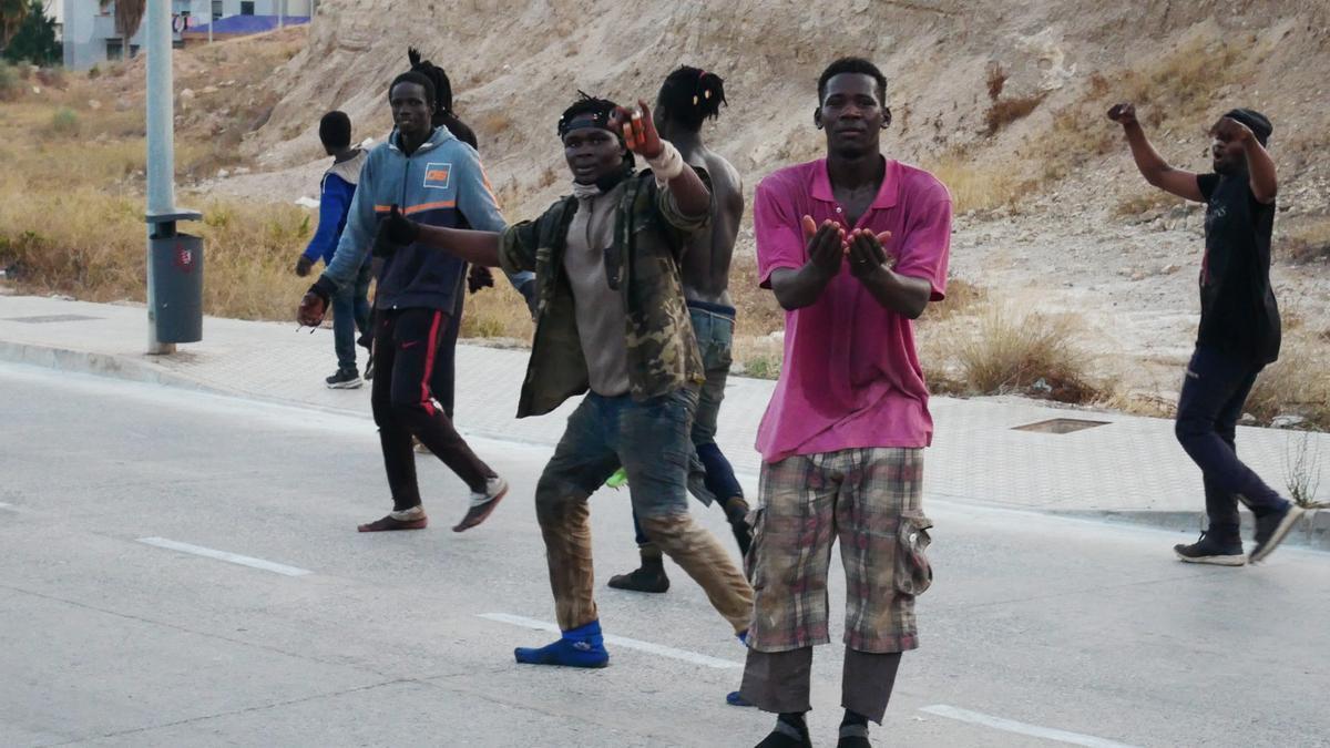 Los migrantes han entrado por la zona cercana al Barrio chino.