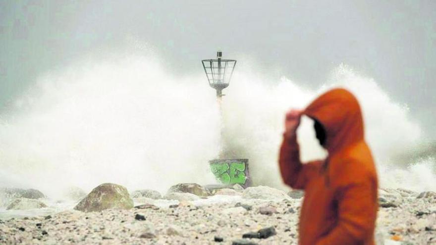 El hormigón se impone en el 60% de la costa de Málaga