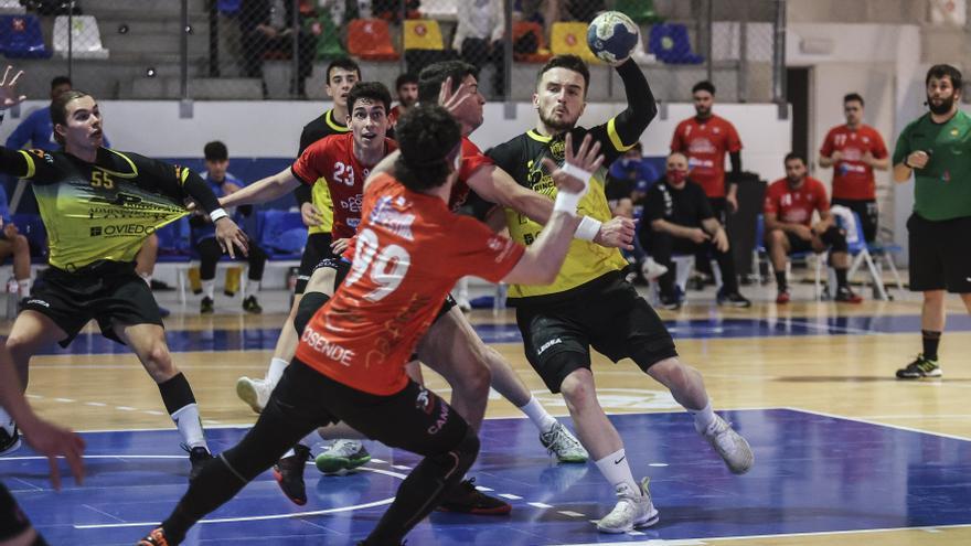 Otro equipo de asturiano en Primera Nacional: el Balonmano Vetusta de Oviedo asciende tras ganar al Sinfín de Cantabria