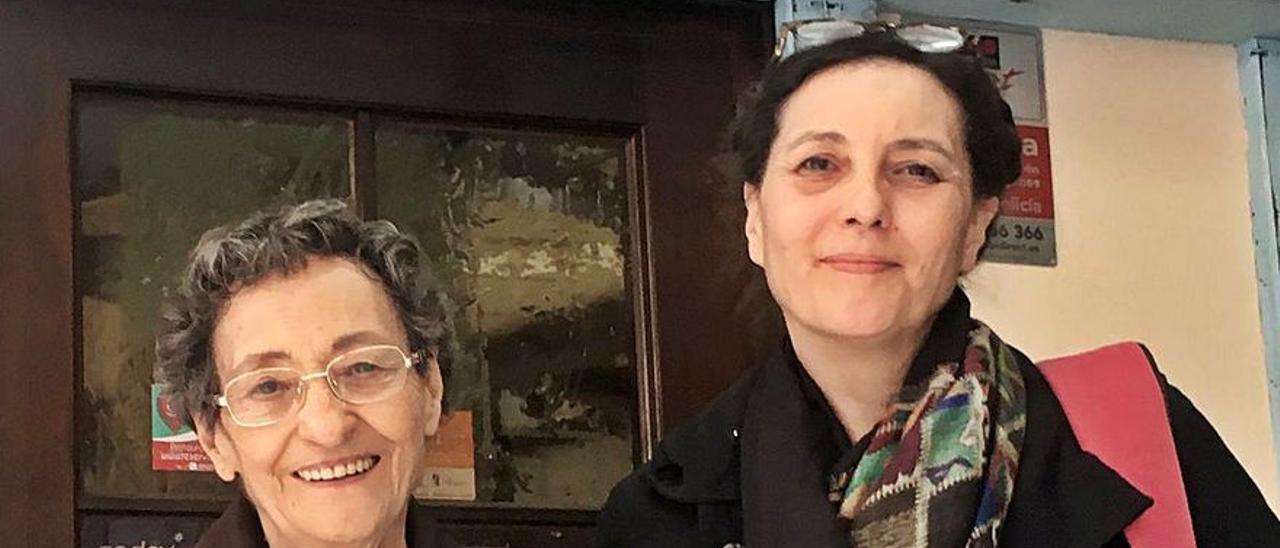 Guadalupe Grande y Paca Aguirre, en Alicante, donde asistieron a las Feria del libro 2019.