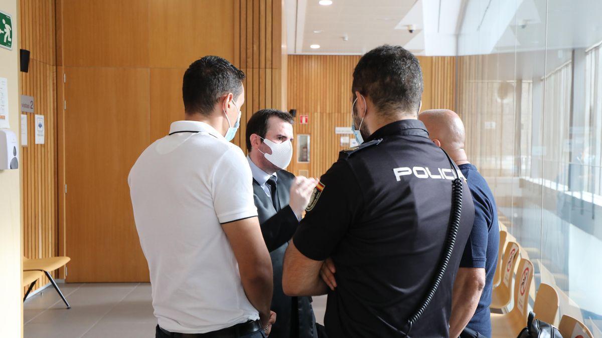 El abogado Marco Antonio Navarro en un juicio en la Audiencia de Zaragoza.