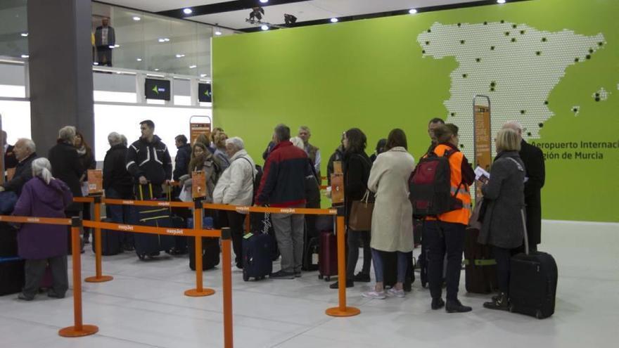 La Comunidad podría reclamar a Sacyr más de 500 millones por el retraso del aeropuerto