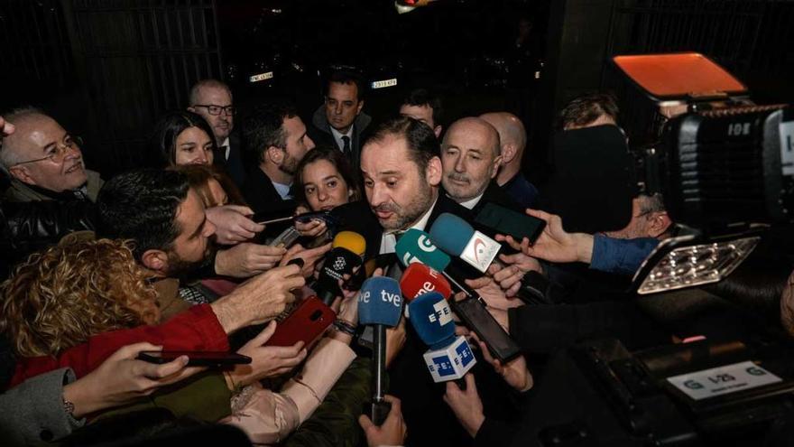El ministro Ábalos confirma el compromiso del Gobierno con el AVE a Galicia en 2021
