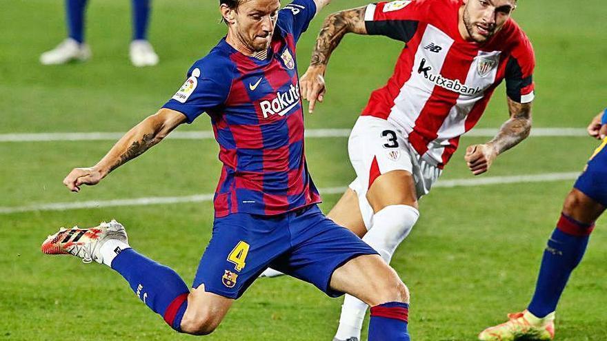 Un gol de Rakitic rescata a un flojo Barça