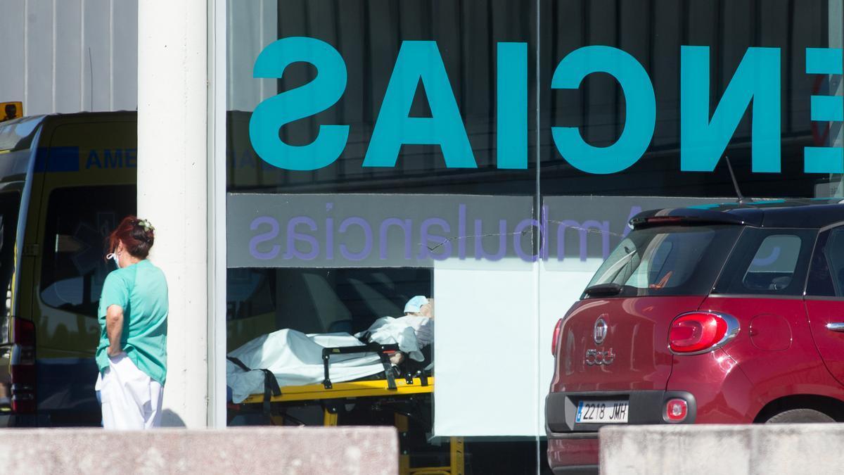 Acceso a Urgencias del Hospital Lucus Augusti (HULA), en Lugo. / EFE/CarlosCastro
