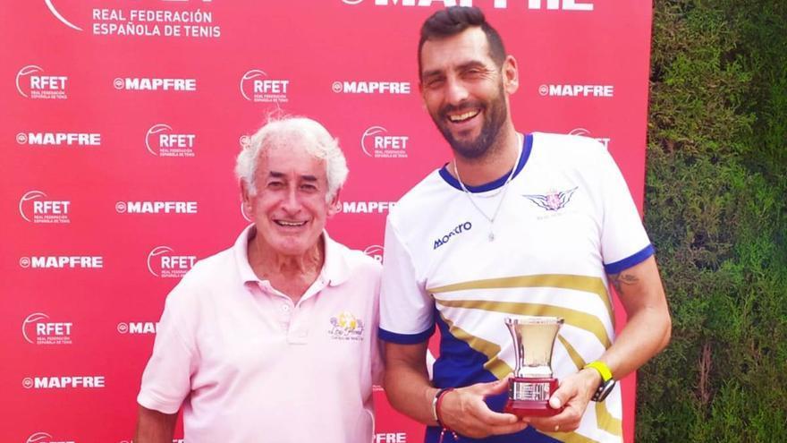 Javi Martínez se proclama campeón de España de tenis