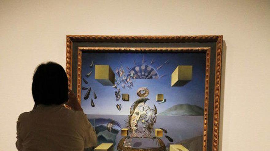 Gala Dalí brilla amb llum pròpia al MNAC