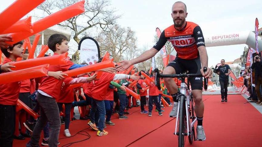 El estradense Óscar González correrá un año más con el Froiz