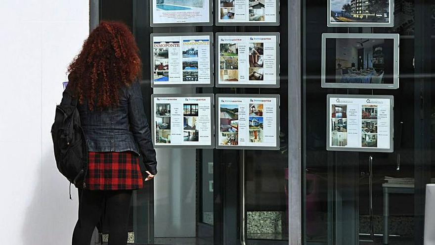 Un piso en A Coruña cuesta un 60% más que la media en Galicia y un 13% más que en 2020