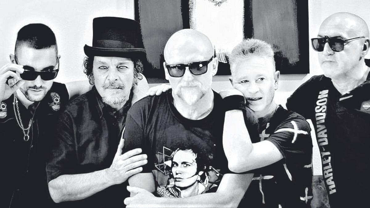 La banda que actuará el próximo sábado: Adrián Garcés (batería), Nacho Saldaña (guitarra), Santi Rex (voz), Nacho Serrano (teclados) y Antonio Estación (bajo).