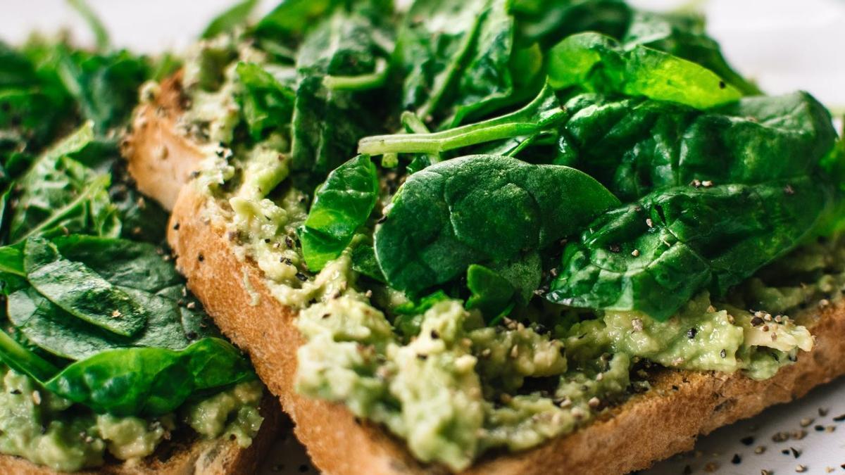 Los vegetales de hoja verde, en especial las espinacas, son una fuente de nutrientes perfecta