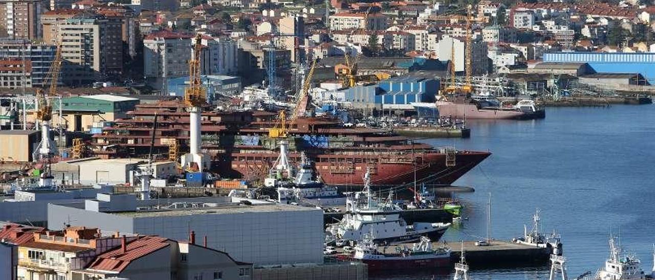 Imagen de archivo de instalaciones de astilleros de la Ría de Vigo. // Marta G. Brea