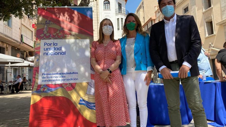 """Barcala recoge en Castellón firmas contra los indultos del """"procés"""""""