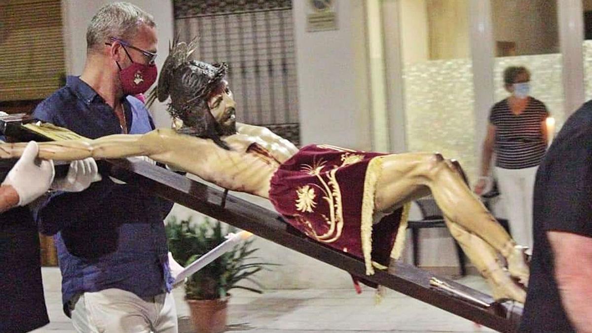 El Cristo de la Salud, puerta a puerta en Palma de Gandia