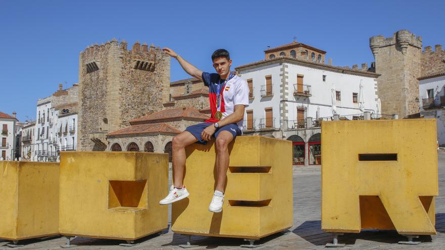 Alberto Ginés: «Lo que ha costado este oro lo sabe mi entrenador y mi familia, es lo que me vale»