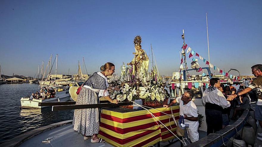 EL Campello tramita declarar de interés turístico las fiestas del Carmen