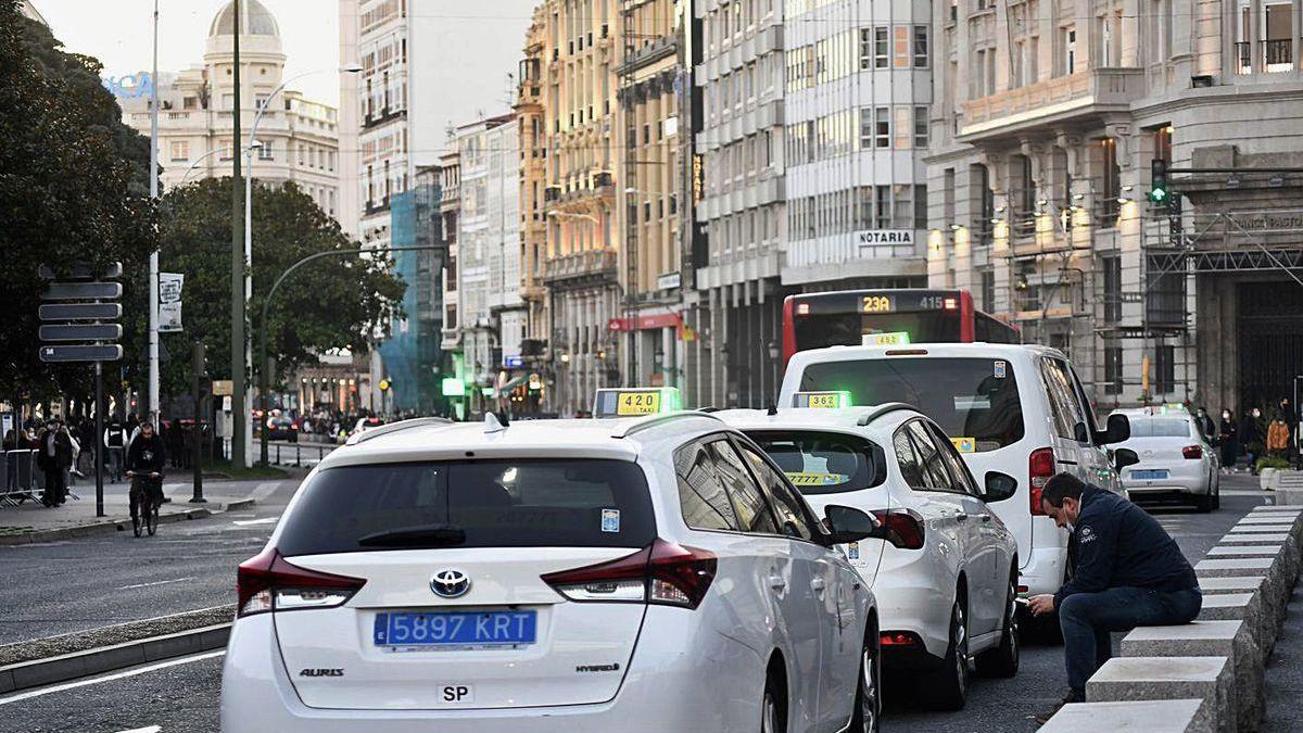 Taxis en Los Cantones.