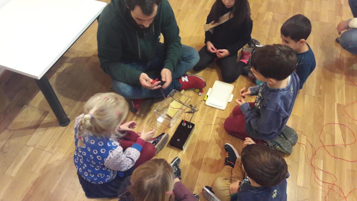 Els tallers aprendran d'Arduino, videojocs i robòtica.