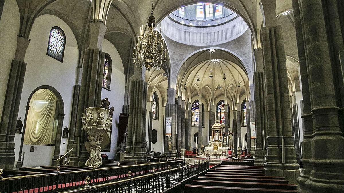 Interior de la Catedral de La Laguna.
