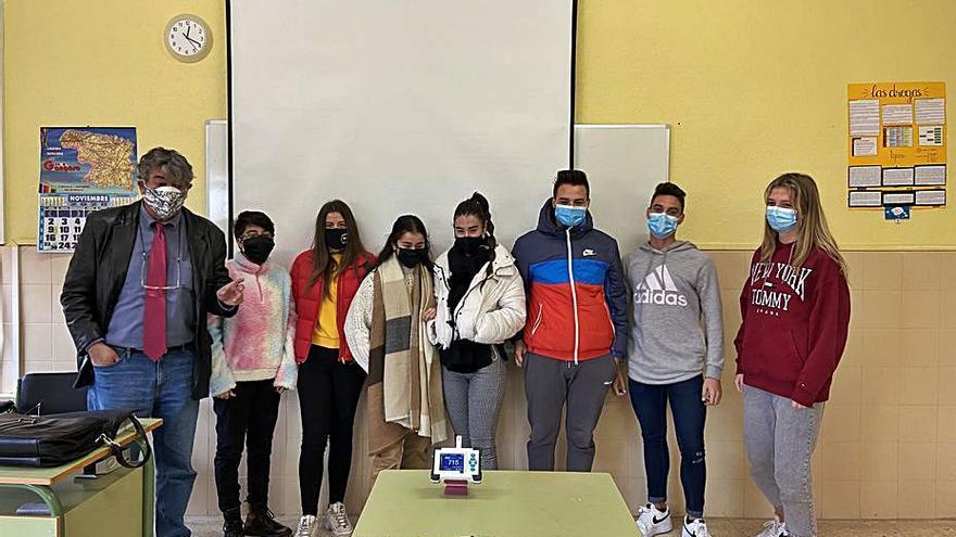 El IES León Felipe de Benavente mide el Co2 en las aulas y constata la necesidad de ventilación