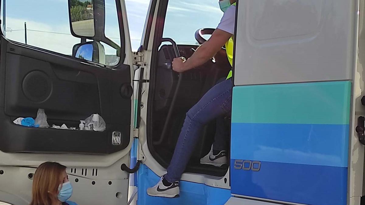 Vacuna contra el covid para camioneros en Aguilar.