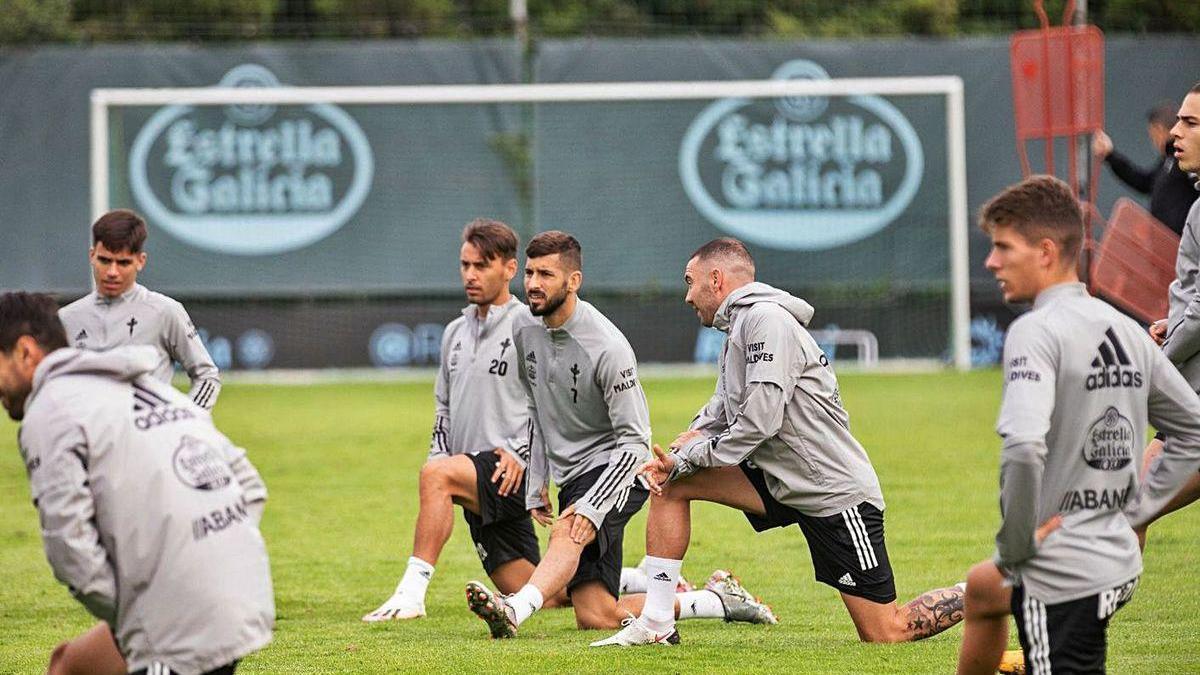 Veiga, Kevin, Vadillo, Aspas y Fontán,durante el último entrenamiento de la semana.