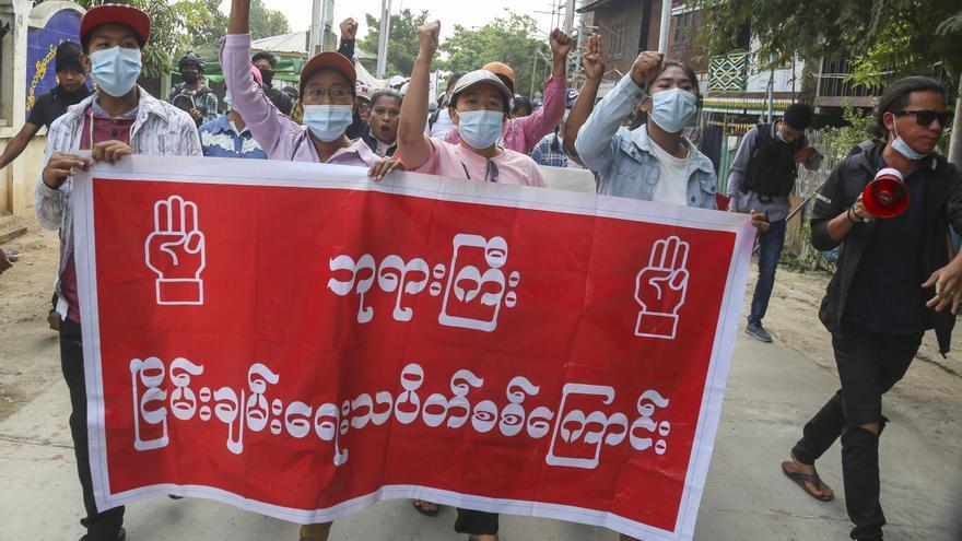 Los militares declaran un alto el fuego con las guerrillas étnicas en Birmania