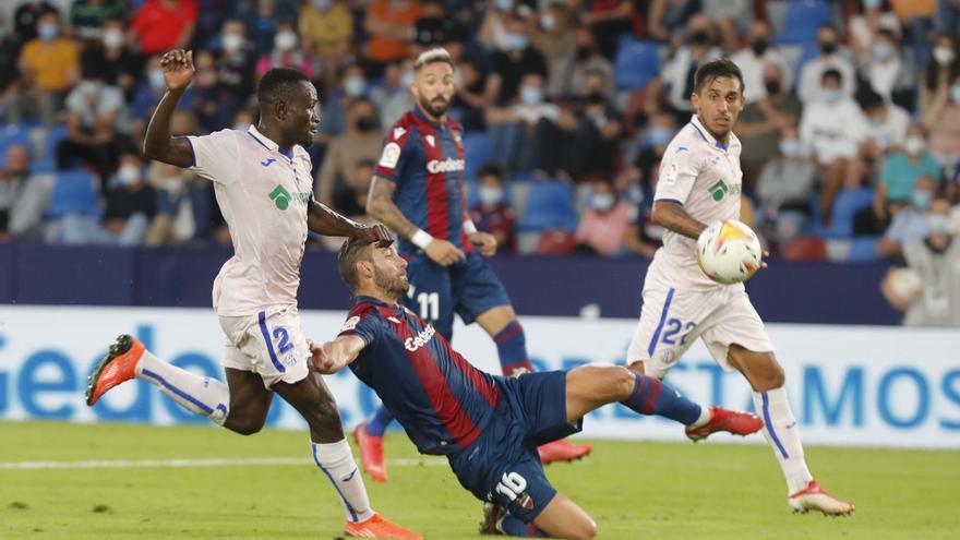 Reparto de puntos en el debut de Pereira (0-0)